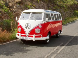 VW Bus red white